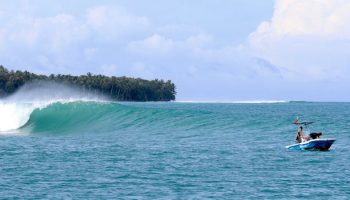 Naga Laut Mentawai Surf Travel